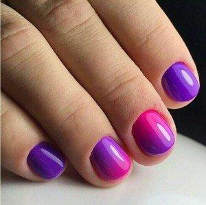 Градиент на коротких ногтях