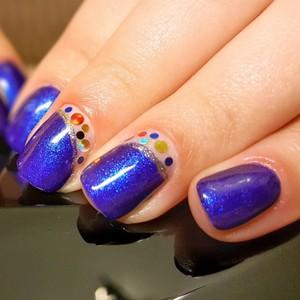 Камифубуки на ногтях синим лаком