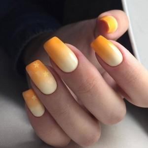 Маникюр Омбре оранжевый