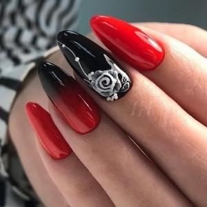 Маникюр Омбре черный с красным