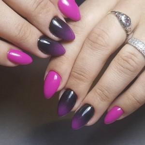 Маникюр Омбре фиолетовый с черным