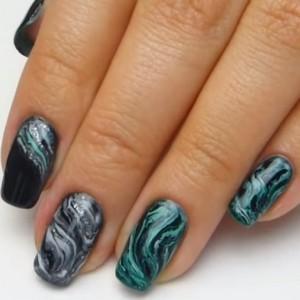 Мраморный маникюр 2019: модные тенденции на длинные ногти