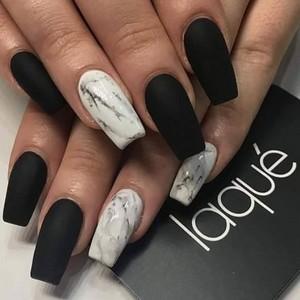 Мраморный маникюр 2019: на длинные ногти
